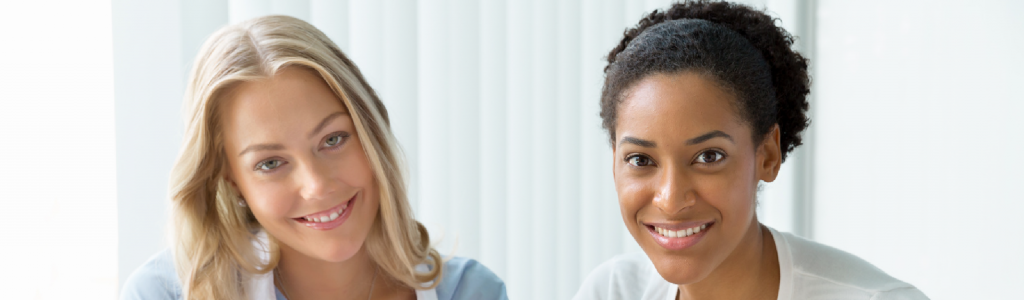 2 women promoting wellbeing in the workplace